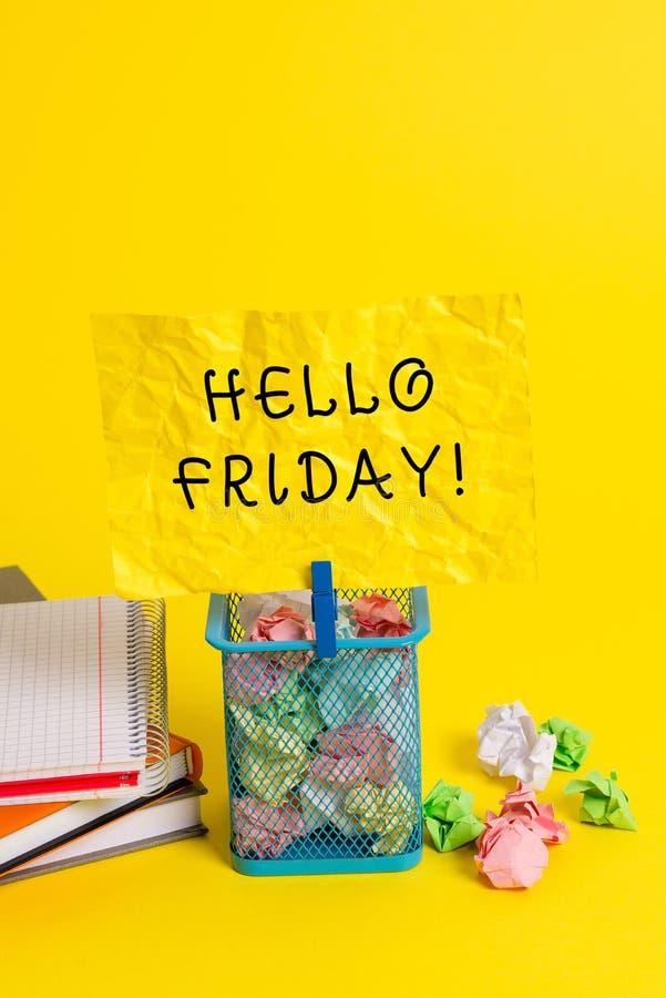 ?criture conceptuelle de main montrant le bonjour vendredi La photo d'affaires vous pr?sentant indiquent ceci pour souhaiter et e photo libre de droits