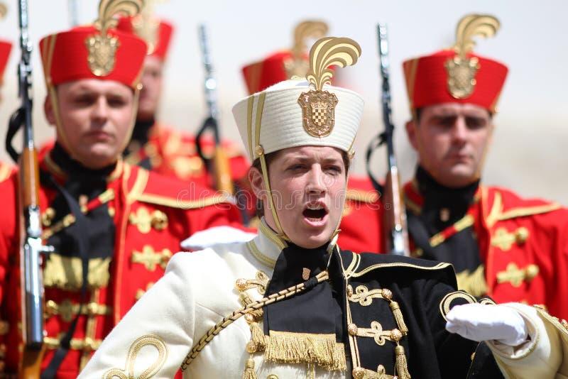 Croácia/protetor de honra Battalion/oficial fêmea imagens de stock royalty free