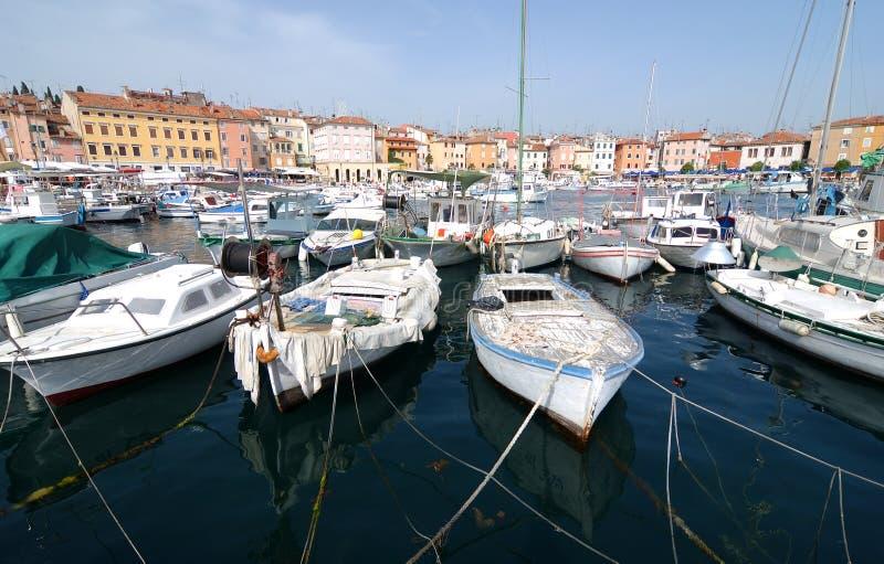 Croatia   barcos en Rovinj imagen de archivo
