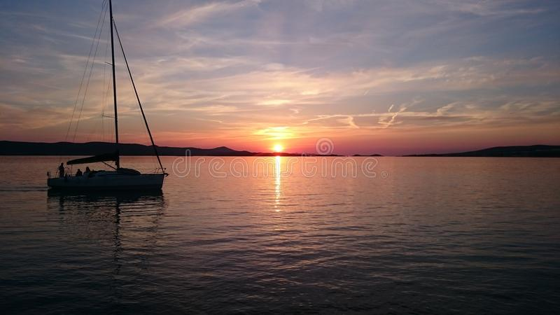 croatia solnedgång arkivfoto