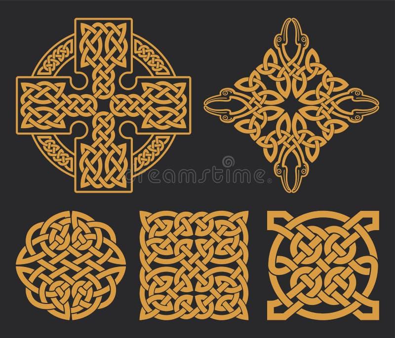 Croce celtica di vettore ed insieme del nodo Ornamento etnico DES geometrico royalty illustrazione gratis