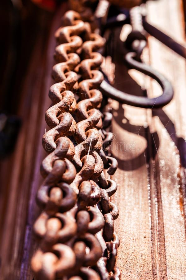 Crochet à chaînes au sol en bois images libres de droits