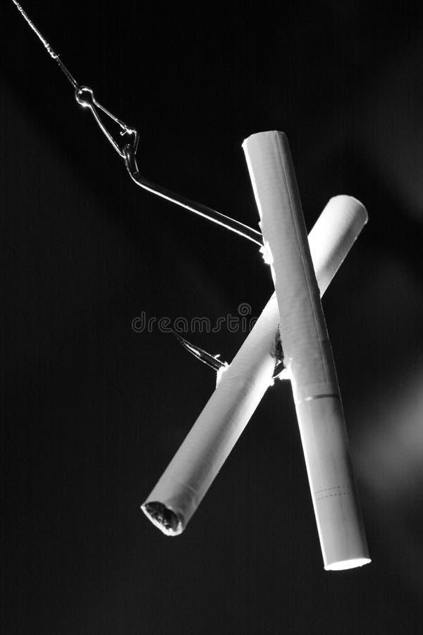 Crochet et cigarettes photographie stock libre de droits
