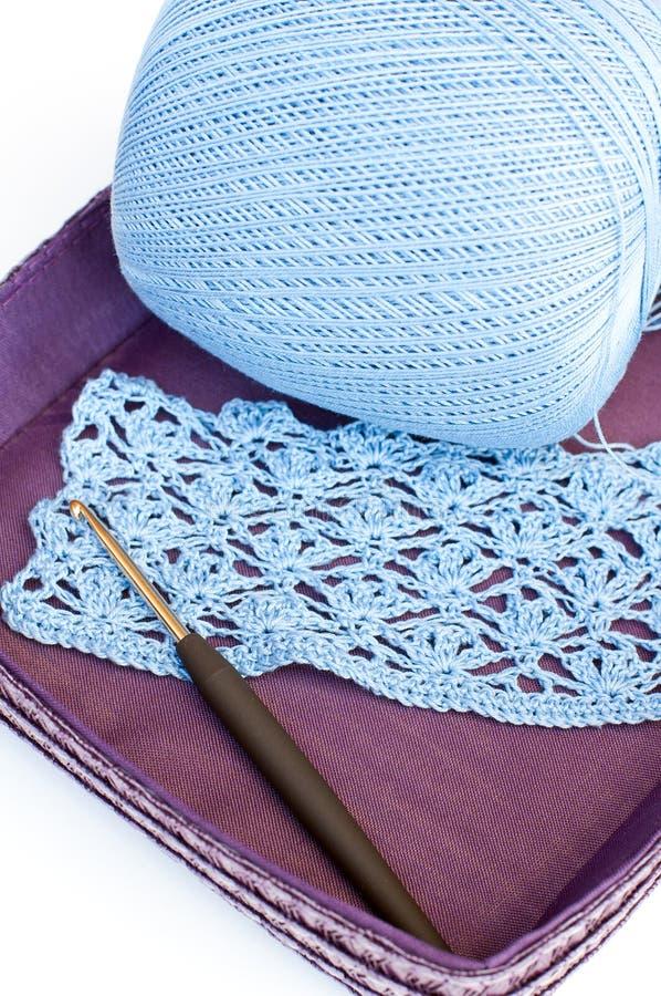 Gancho do Crochet, do fio e de crochet imagem de stock
