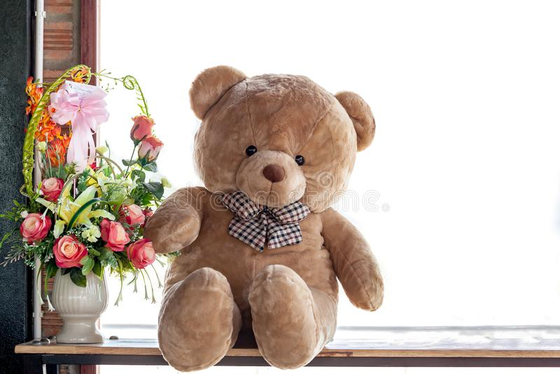 Crochet que faz malha o urso de peluche bonito Foco seletivo imagens de stock royalty free
