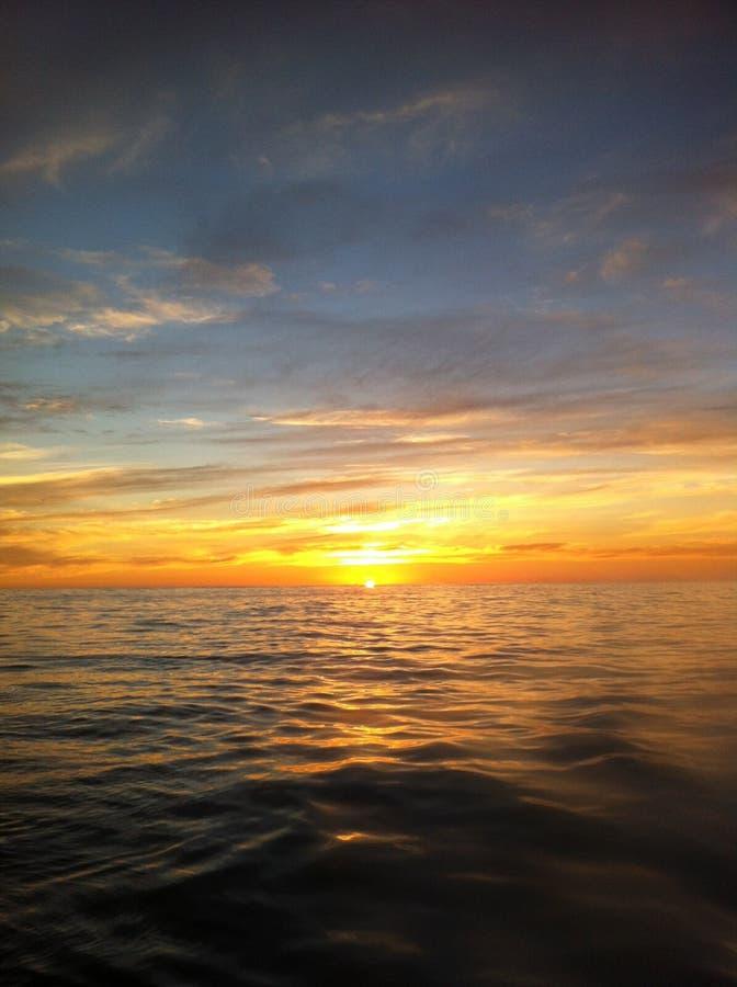 Crociera 2 di tramonto immagine stock