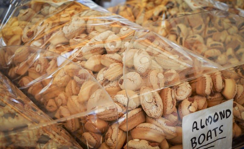 Crogioli al forno maltesi tradizionali di mandorla immagini stock libere da diritti