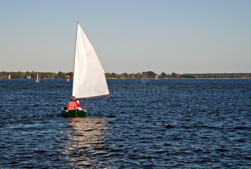 Crogiolo di vela sulla baia di Chesapeake immagini stock libere da diritti