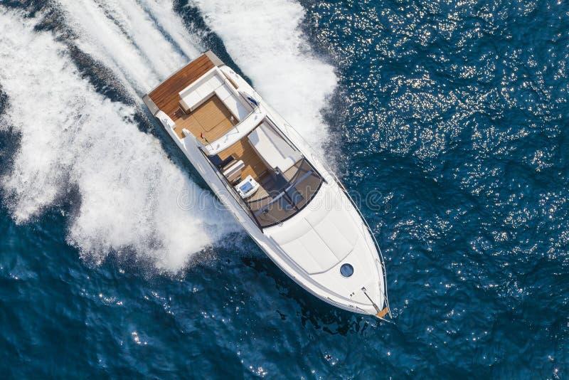 Crogiolo di yacht del motore fotografia stock