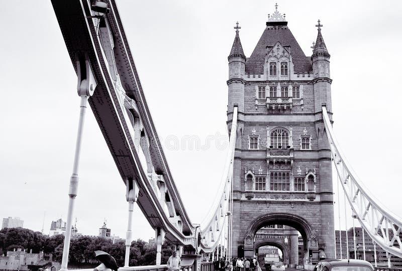 Croisement d'un pont à Londres image libre de droits