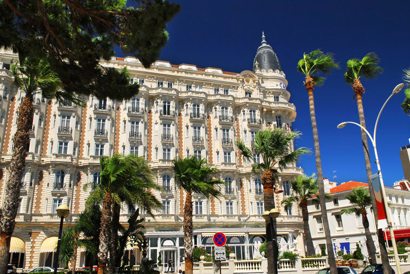 Croisette Promenade in Cannes stockfoto