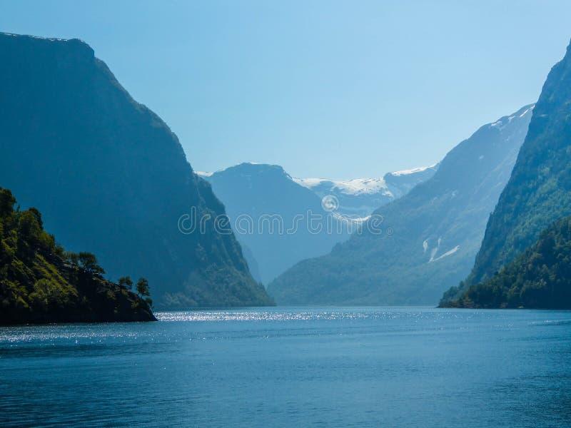 Croisière de fjord de la Norvège - du Sognefjord photo stock