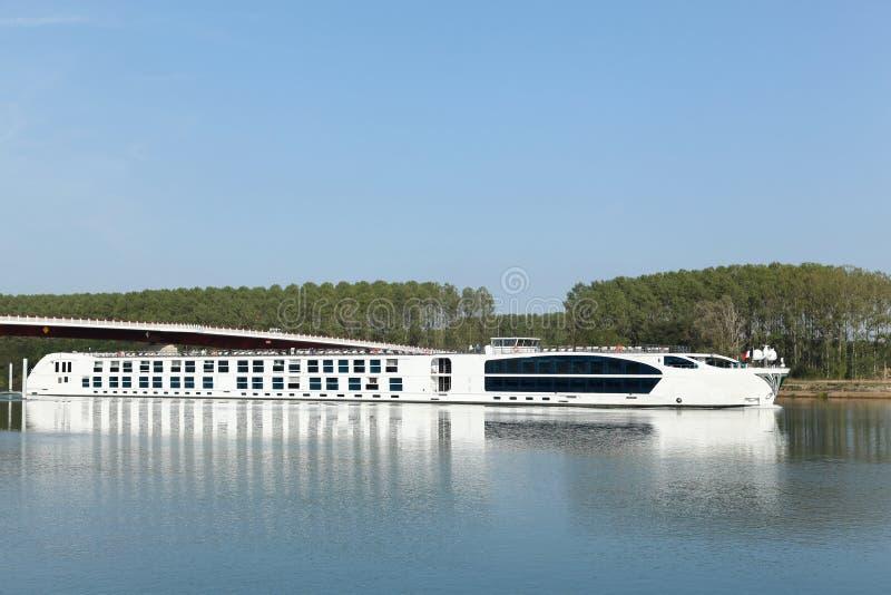 Croisière sur la Saône dans les Frances images stock