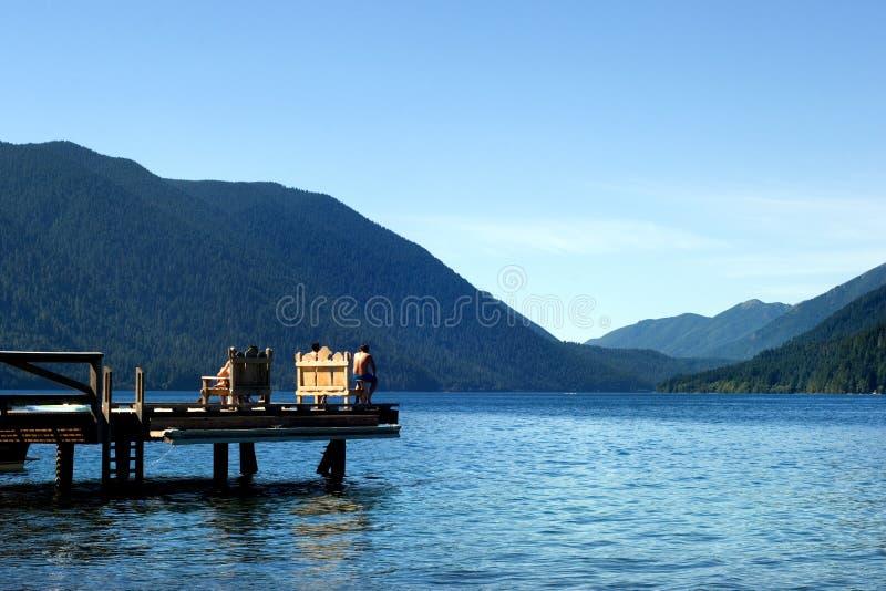 Croissant de lac photographie stock libre de droits