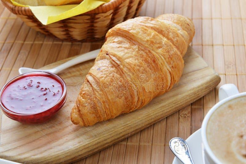 Croissant duro fresco foto de stock royalty free