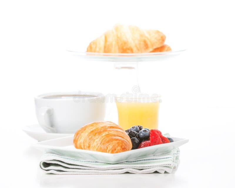 Croissant e fruto frescos imagem de stock royalty free