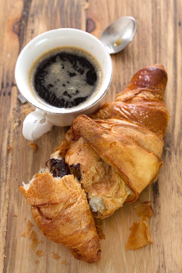 Croissant met chocolade royalty-vrije stock fotografie