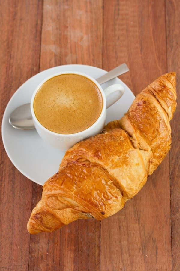 Croissant met koffie royalty-vrije stock fotografie