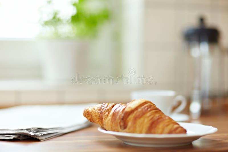 Croissant voor ontbijt royalty-vrije stock afbeelding