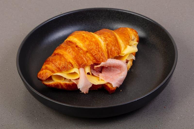 Croissant Z baleronem zdjęcia stock