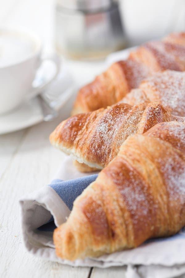 Croissants & caffè immagini stock libere da diritti