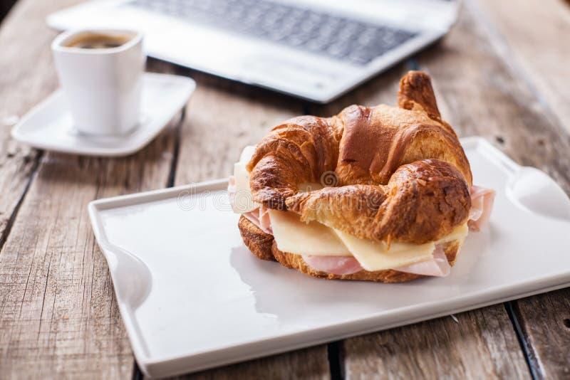 Croissants i Kawa obraz royalty free