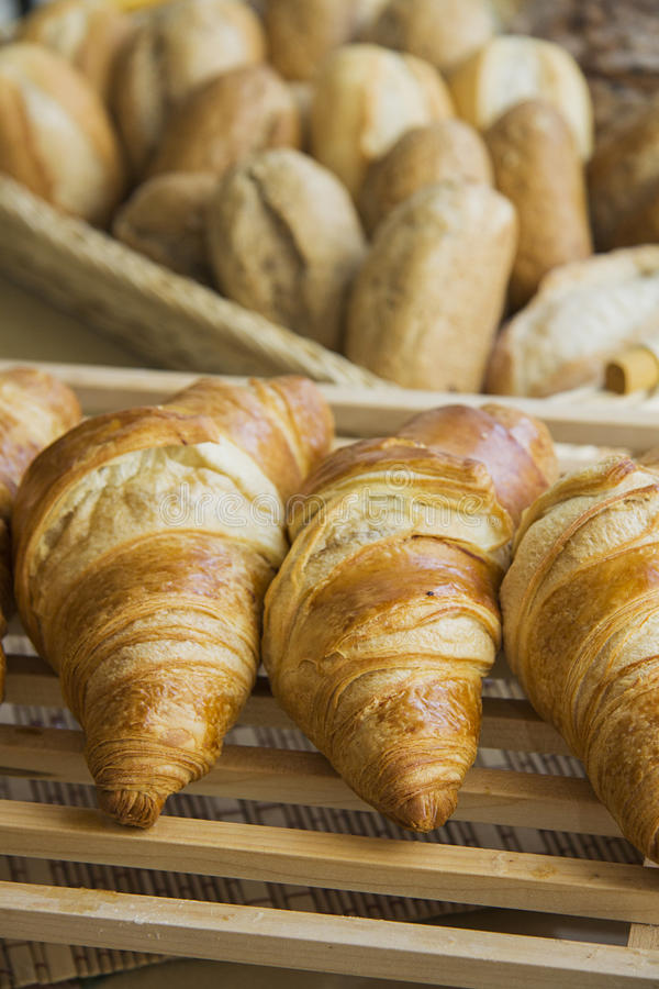 Croissants met het voelen stock fotografie