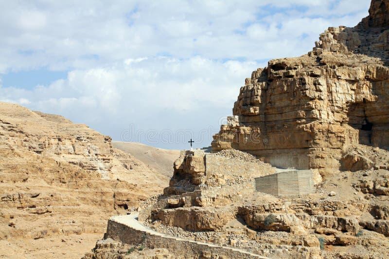 Croix dans le désert photos stock