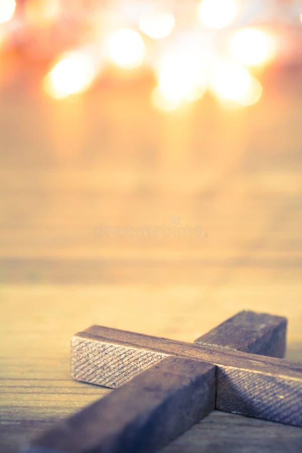 Croix chrétienne en bois photographie stock