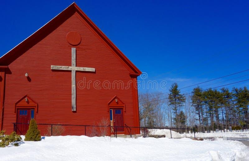 Croix chrétienne sur le patriotisme bleu blanc rouge d'église patriotique image stock