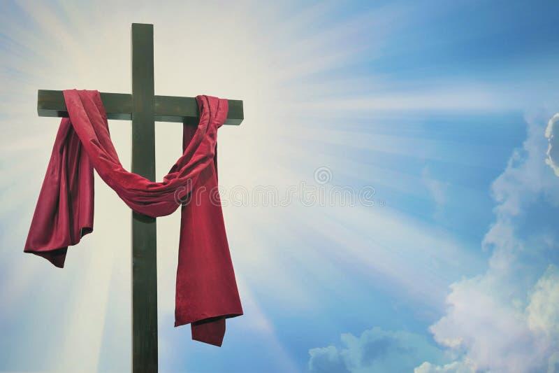 Croix contre le ciel photo stock