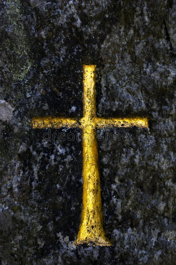 Download Croix d'or photo stock. Image du mycète, pierre, roche - 45358756