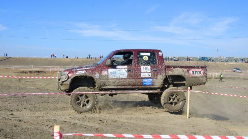 Croix d'essai 4x4 de jeep de Moldau Ohei images stock