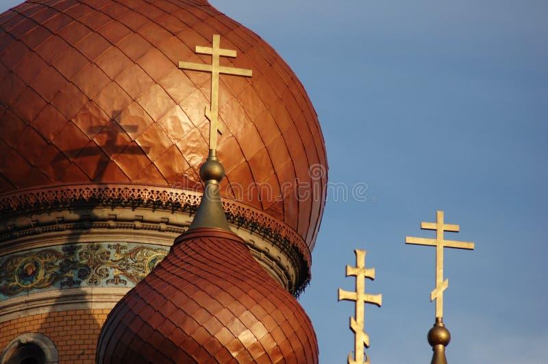 Croix d'or sur la vieille église #3 image stock