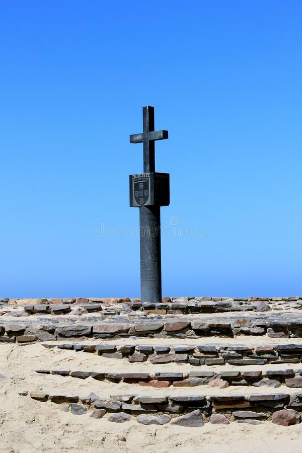 Croix en pierre à la baie de croix de cap, côte squelettique Namibie photos libres de droits