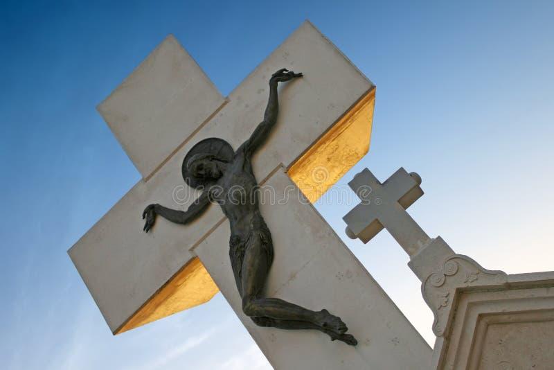 Croix en pierre d'église images stock