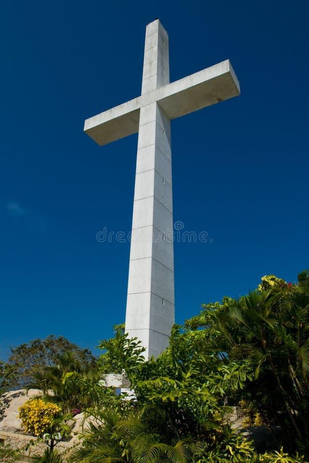 Croix et église d'Acapulco photographie stock