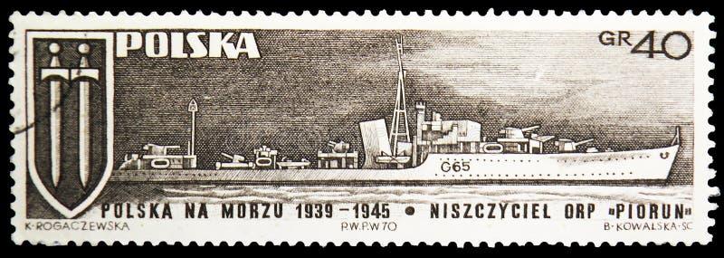 Croix et navire de guerre Piorun, marine polonaise de Grunwald pendant le serie de la deuxième guerre mondiale, vers 1970 photos libres de droits
