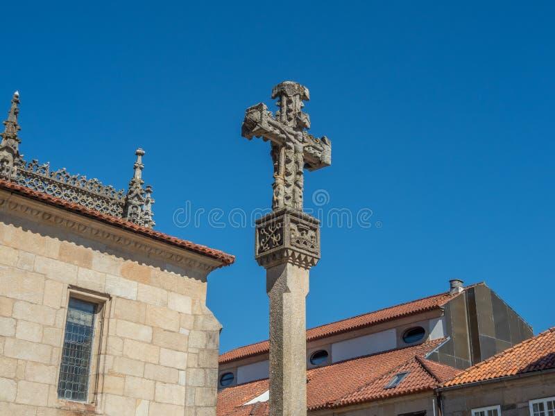 Croix galicienne en pierre dans un style très fleuri découpée la Galicie pontevedra Espagne images libres de droits