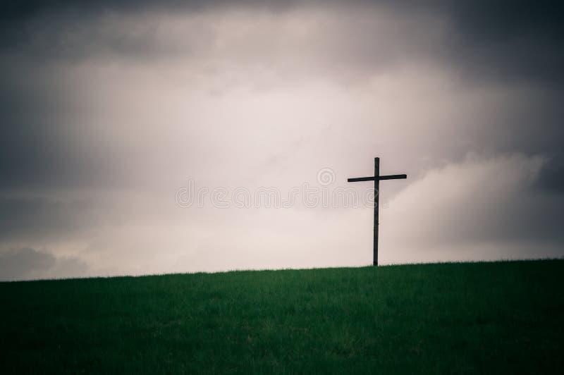 Croix isolée sur la série d'horizon photographie stock