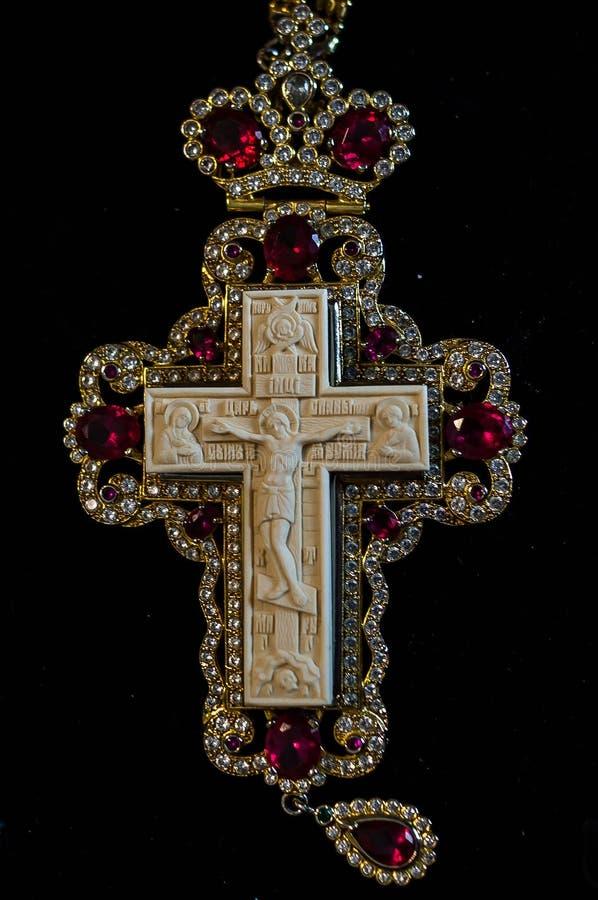 Croix orthodoxe de prêtre d'ivoire gigantesque handcrafted photographie stock libre de droits