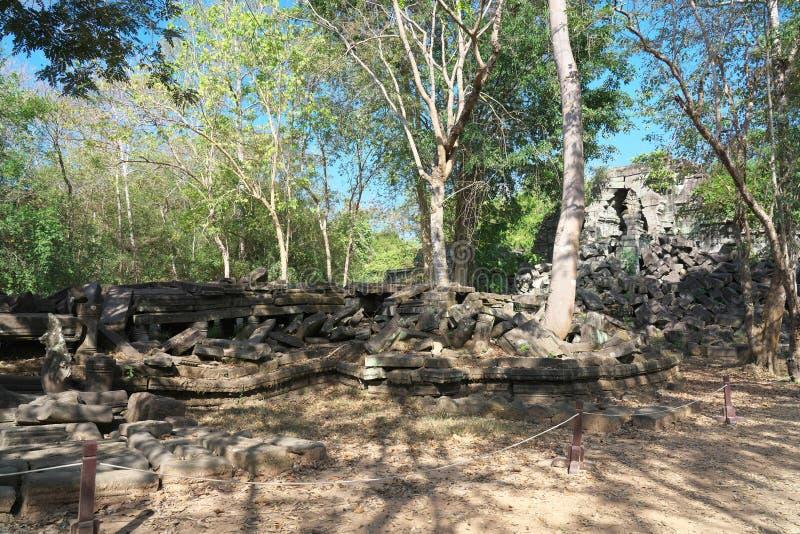 Crollato della galleria di Beng Mealea in Siem Reap, Cambogia fotografie stock libere da diritti