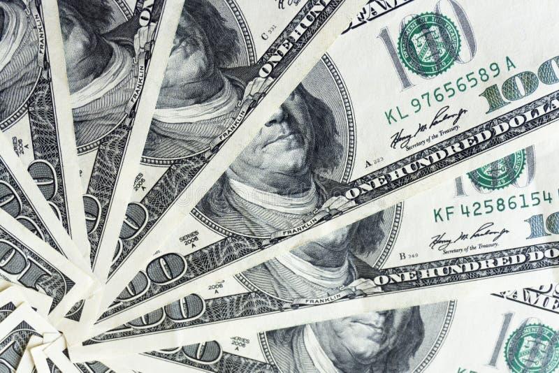 Crolled-Stapel von 100 Dollarscheinen, schließen herauf Banknote stockbilder