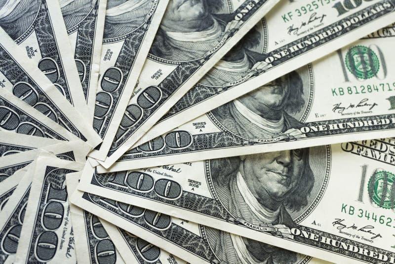 Crolled-Stapel von 100 Dollarscheinen, schlie?en herauf Banknote lizenzfreie stockfotos