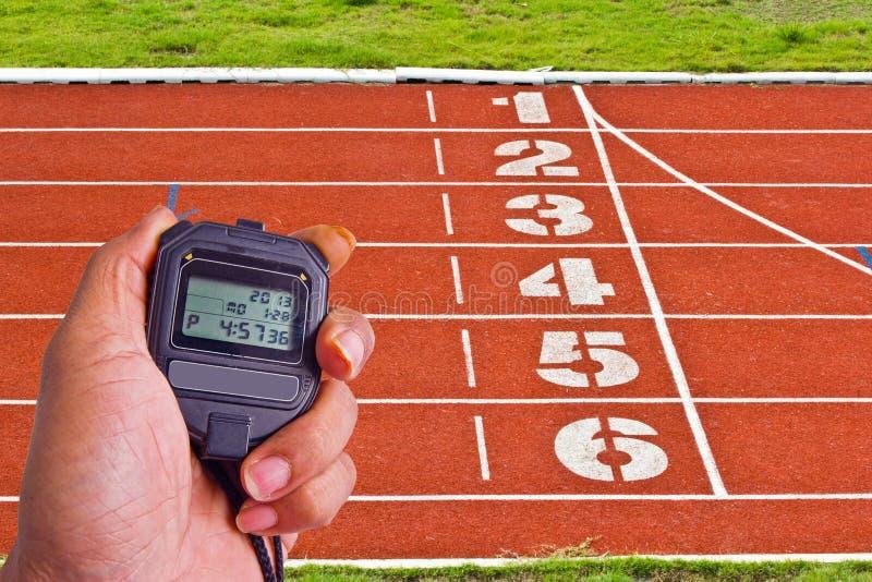 Cronómetro en campo del atletismo imagen de archivo libre de regalías