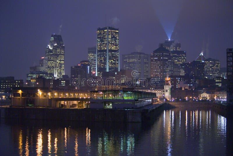 Cronometre a torre de pulso de disparo do towerThe no porto velho de Montreal fotografia de stock royalty free