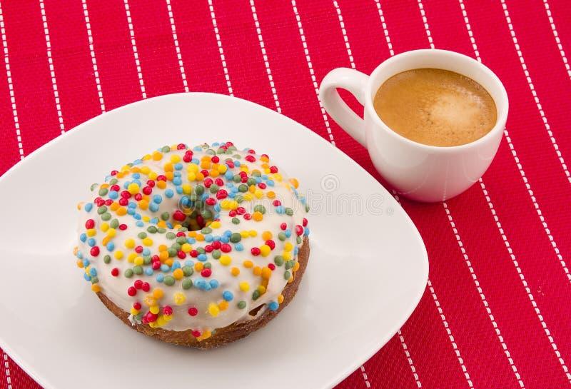 Cronut e café imagem de stock