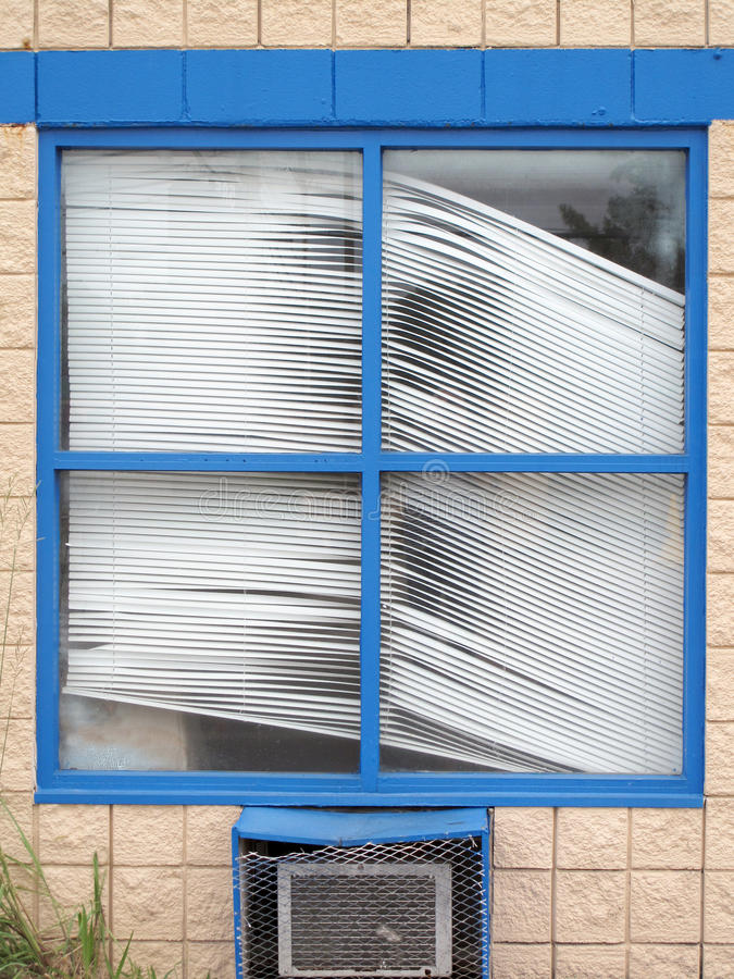 Free Crooked Old Window Blinds Royalty Free Stock Image - 58909506