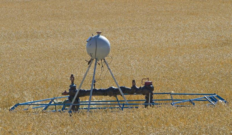 Download Cropland Do Tanque Da Fonte & Do Metanol Foto de Stock - Imagem de integrado, tanque: 16862598