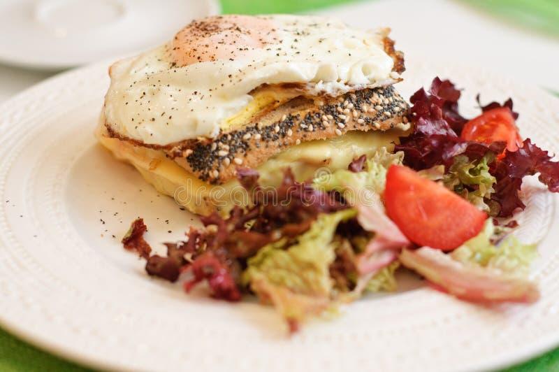 Croque madame- francuza śniadanie fotografia stock